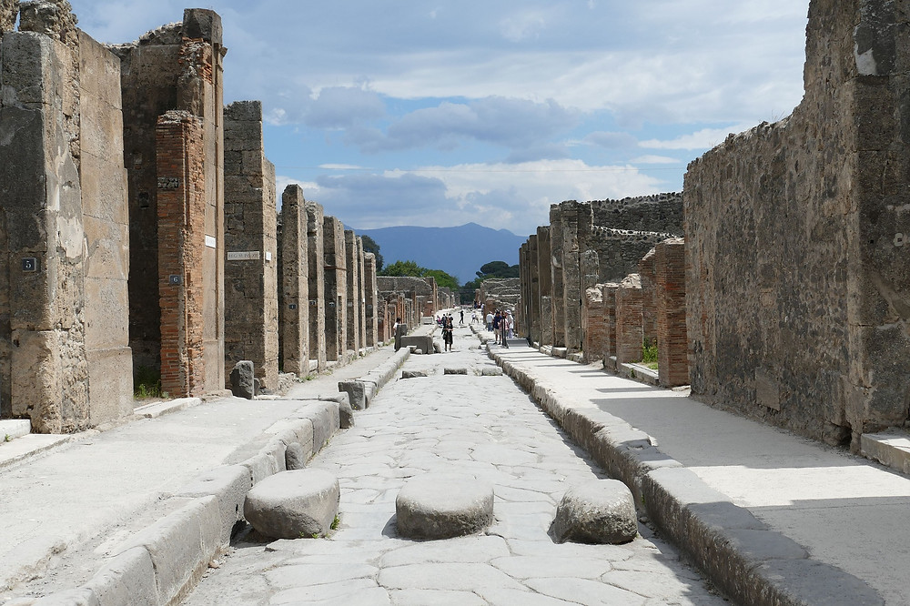 Pompeii, Italy Funny 1-star reviews