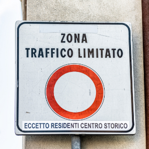 Italian road sign zona traffico limitato