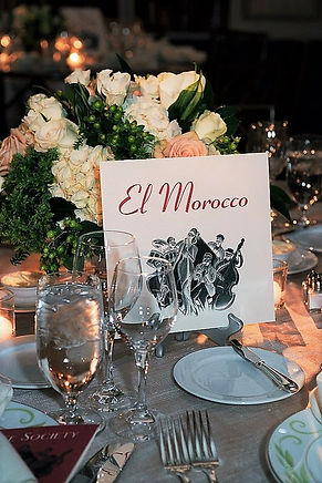 Table name with floral centerpeice