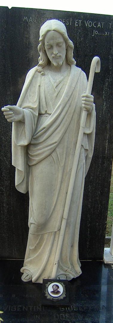 statua - marmo -dopo la pulizia.jpg