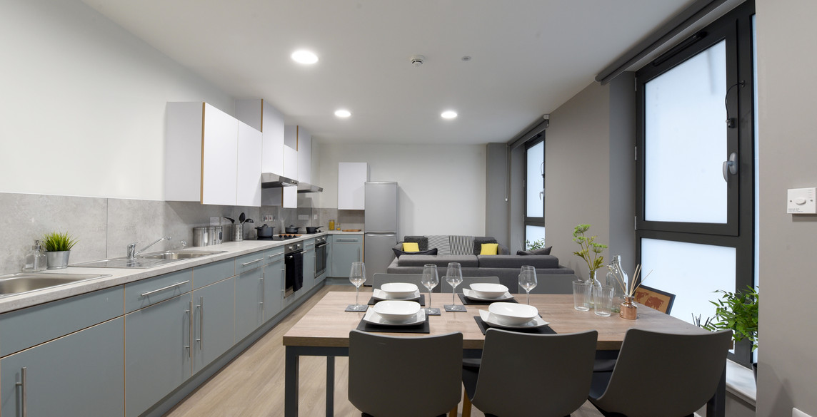 Glasgow-St Mungos - communal kitchen2.jp