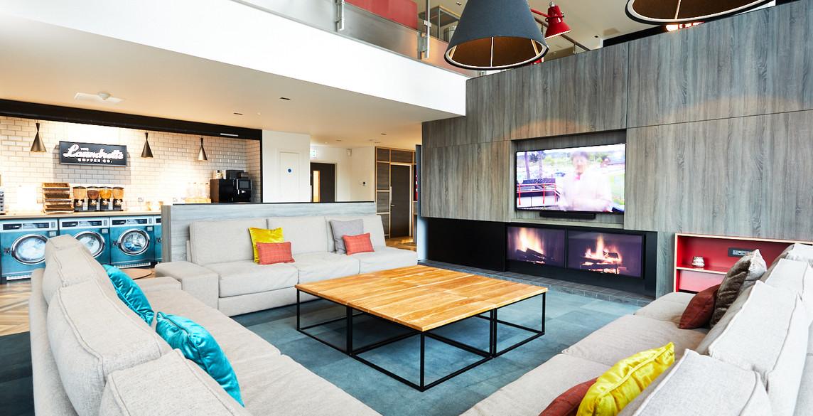 Glasgow - Sofa, TV, kitchen.jpg