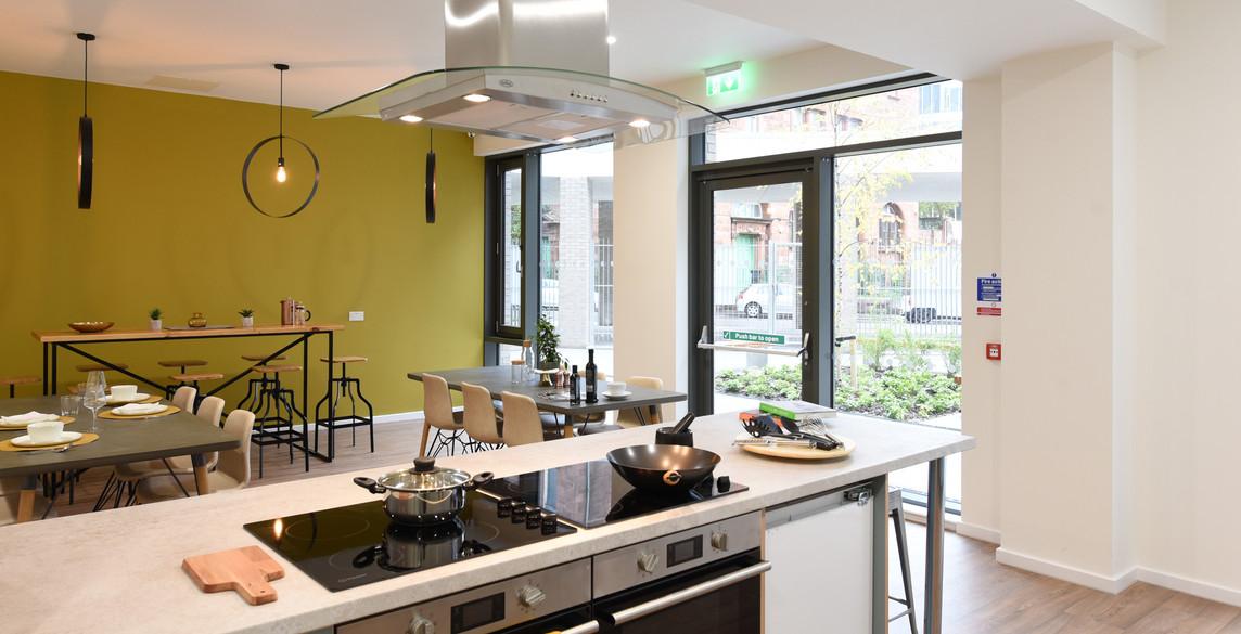 Glasgow-St Mungos - communal kitchen-8.j