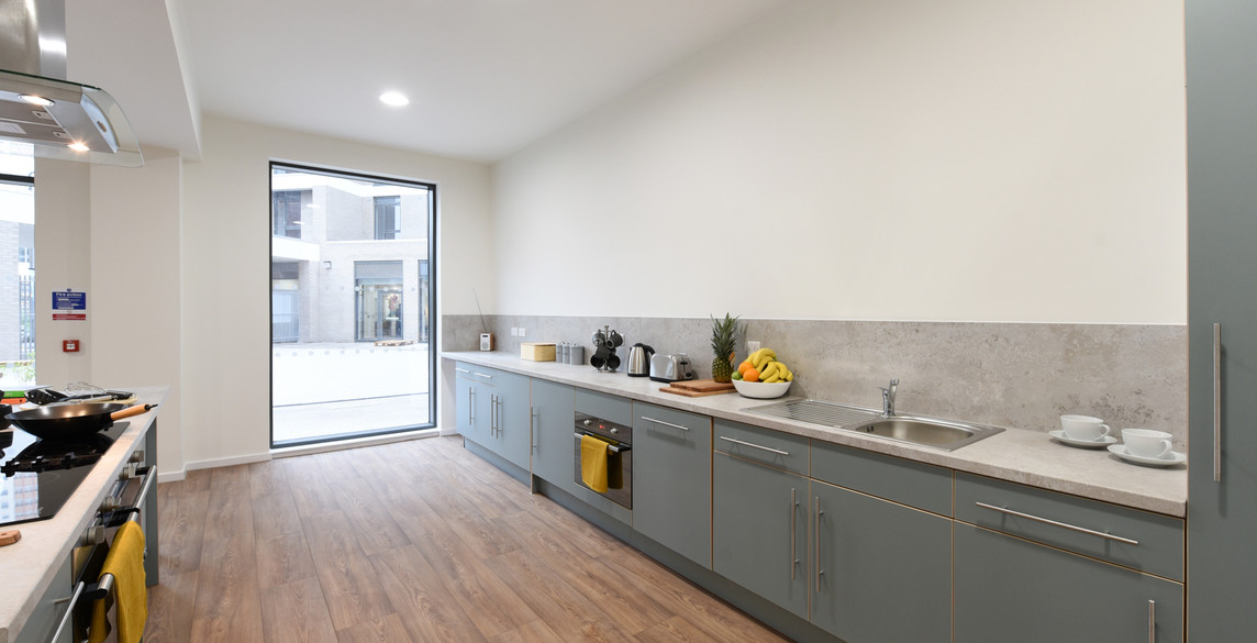 Glasgow-St Mungos - communal kitchen-4.j