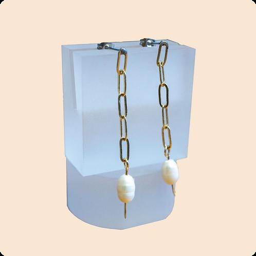 Eleanor - Chain Pearl Earring