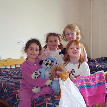 Primary residential courses - Girls in room