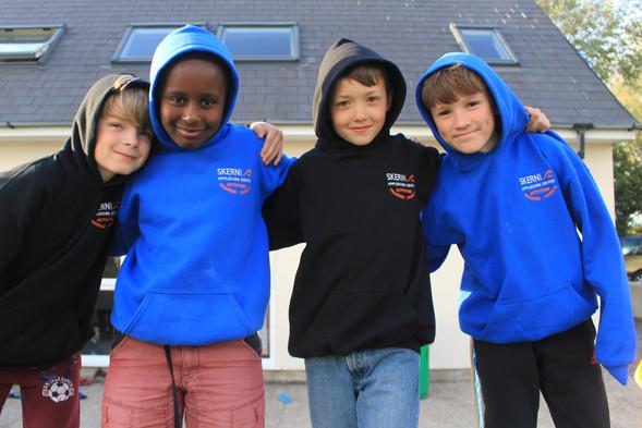 Boys in Skern hoodies