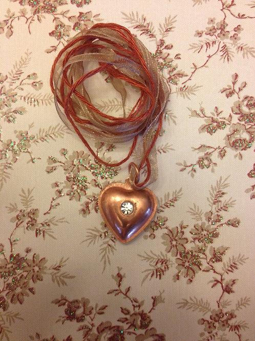 Corazón de cobre con Arena Sagrada del Río Narmada