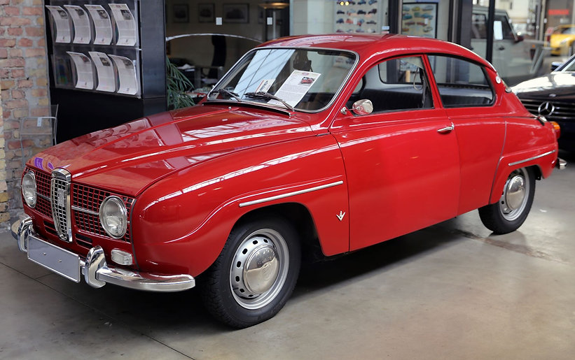 1967_Saab_96_V4_at_Classic_Remise,_front