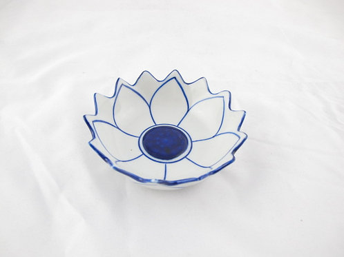 Lotus Small ceramic bowl