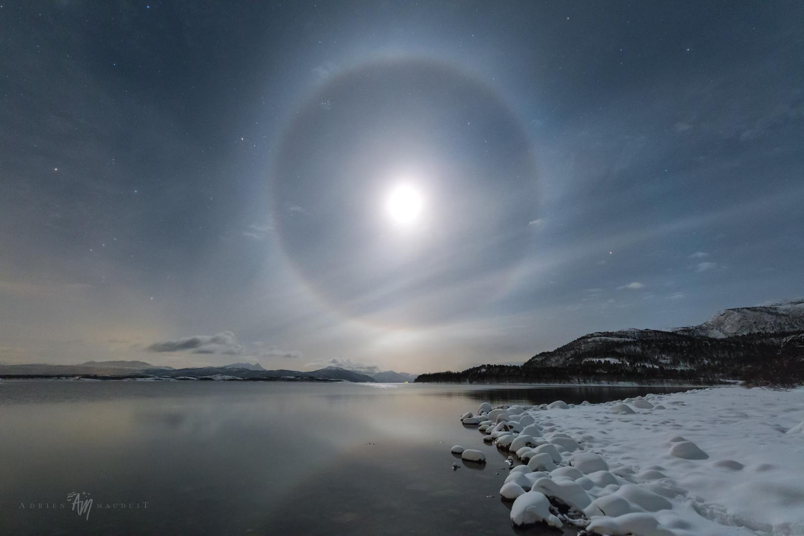 Moon halo on Senja I