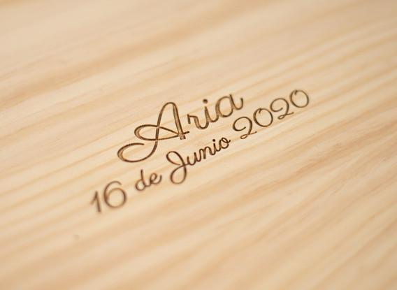 Caja de Madera con nombre y fecha grabados
