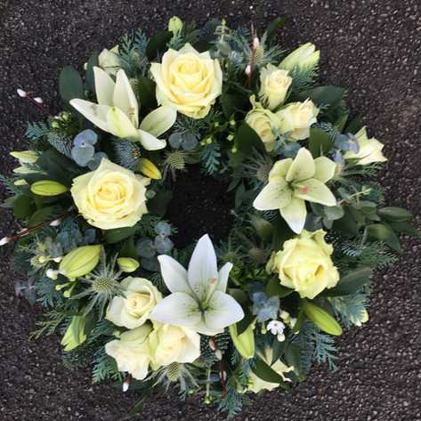 Medium funeral wreath