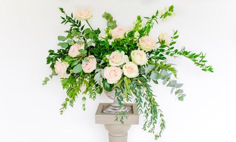 Blush rose pedestal