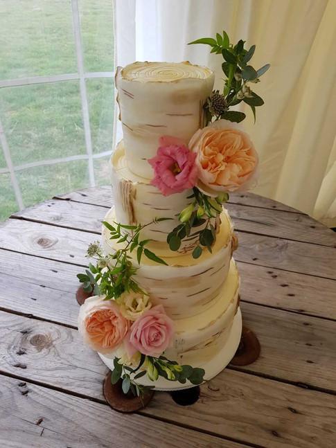 Wedding Flowers prepared for Wedding Cake