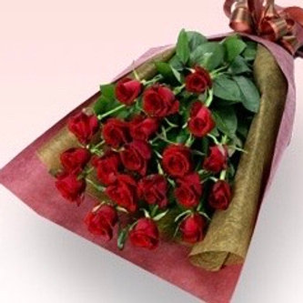 24 Delux Red Rose presention bouquet