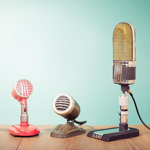 Mikrofone%202000x1333_edited.jpg