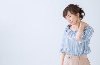 筋肉のこり・張りは肩こりや腰痛の大きな原因になる