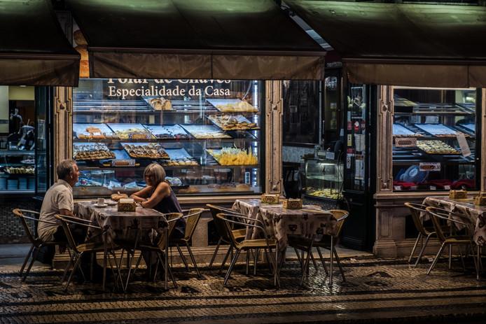 lisb_night cafe (1 of 1).jpg