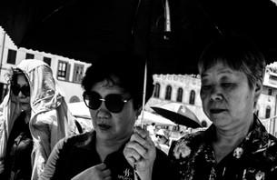umbrella people_ (1 of 1).jpg