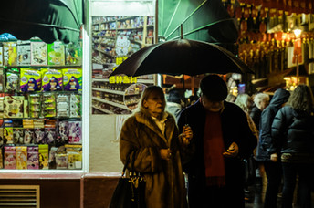 couple_umbrella_ (1 of 1).jpg