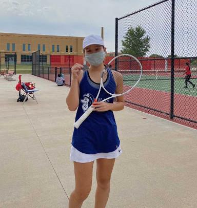 Sibling duo success in EHS tennis team