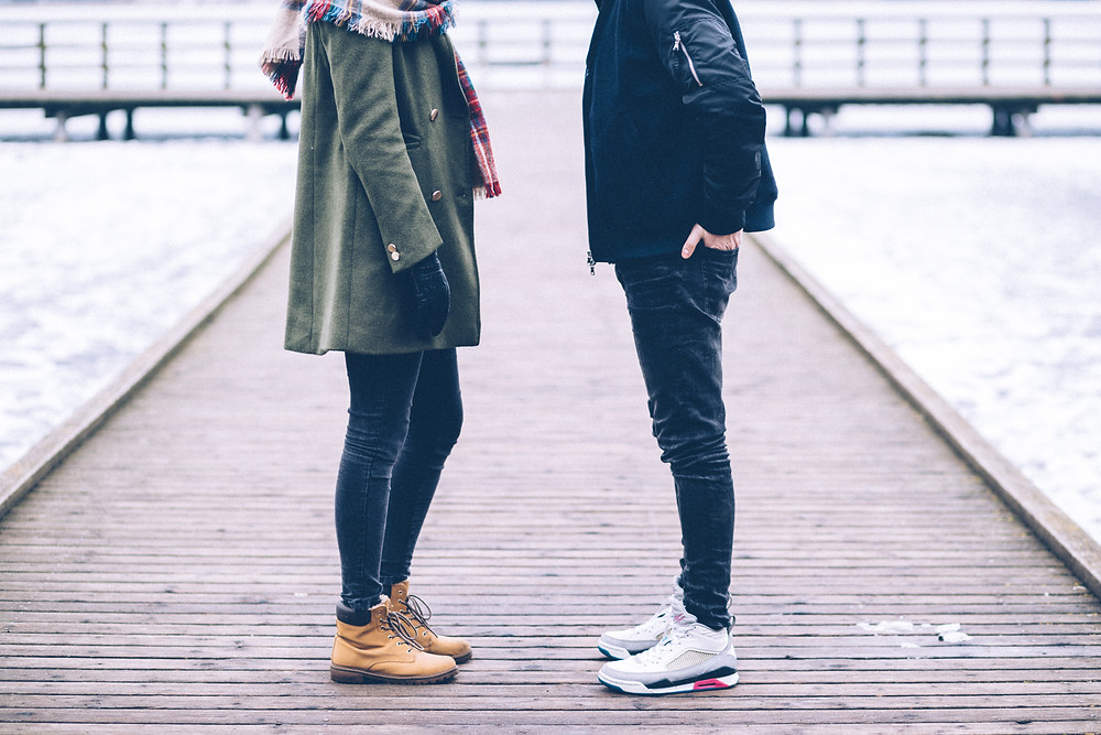 No face couple