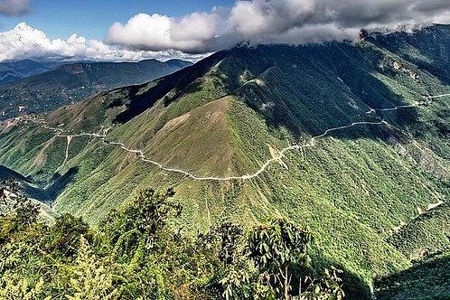 יום שלם העמק הסובטרופי של לוס יונגאס - בוליביה