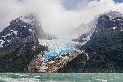 Día completo navegación glaciares Balmaceda & Serrano