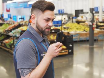 Walmart associates all get Samsung smartphone, new app