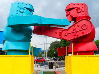 World's first 'toy themed' mini golf opens in Pigeon Forge