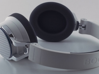 Up the volume with RE-UP Headphones and speaker case