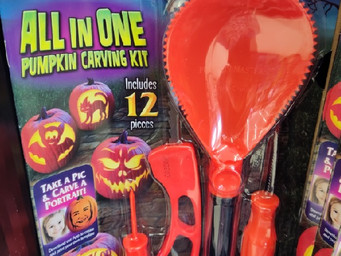 Become a 'Pumpkin Master' with this 12 piece carving kit