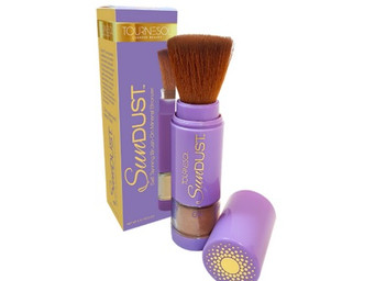 SunDust is a bronzer and self-tanner right in your pocket