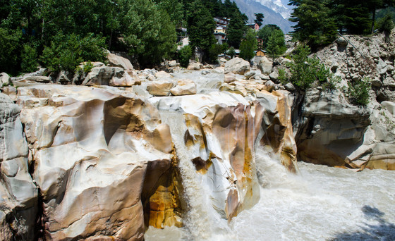 IS HINDU ALCHEMY RELATED TO WATER ELEMENT LIKE HOLY GANGA ?ARE THE RELIGIONS BASED ON ELEMENTS?
