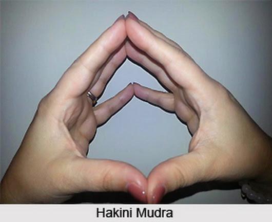 MENTION MUDRAS TO ACTIVATE SOLAR PLEXUS CHAKRA DURING MEDITATION?-PRANAYAMA-23...