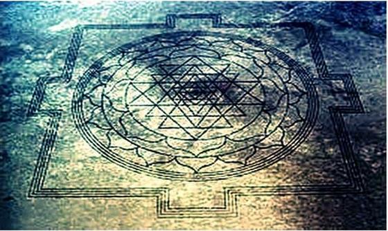 """अमेरिका में रहस्यमय तरीके से बना हिन्दू धर्म का पवित्र चिन्ह """"श्री यंत्र"""", The Mystery Of"""