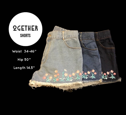 กางเกงขาสั้นยีนส์ปักดอกไม้(หลังสม๊อค)