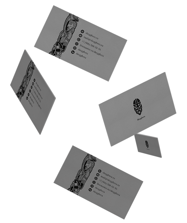 Gravity-Businesscards-Mock-up.png