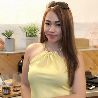 Aizy in Yellow.jpg