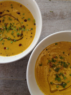 Sopa crema de vegetales al curry.jpg