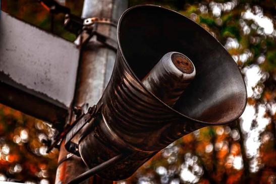 Lautsprecher Horn Bahnhof Rostig