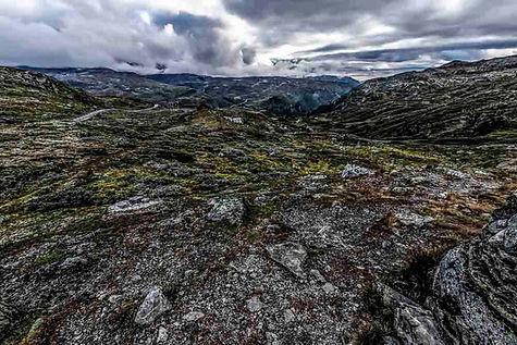 Felsiger Grund Jotunheimen Norwegen.jpg