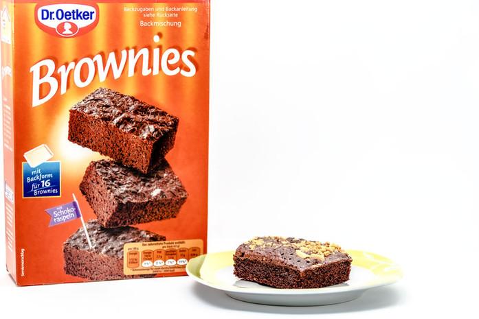 Dr-Oetker-Brownie-Backmischung-und-gepimpt-mit-Erdnuessen