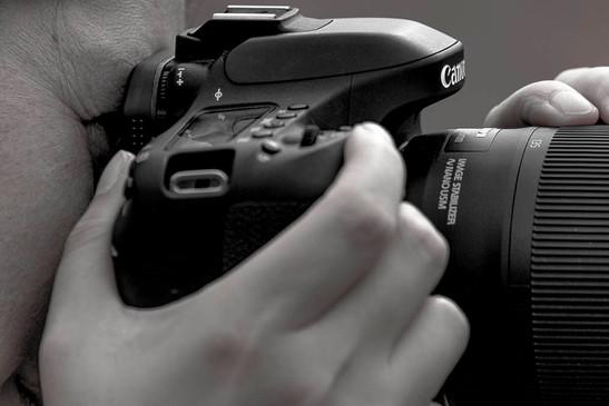 LinGardenerArt bei der Arbeit mit ihrer Canon EOS 80D