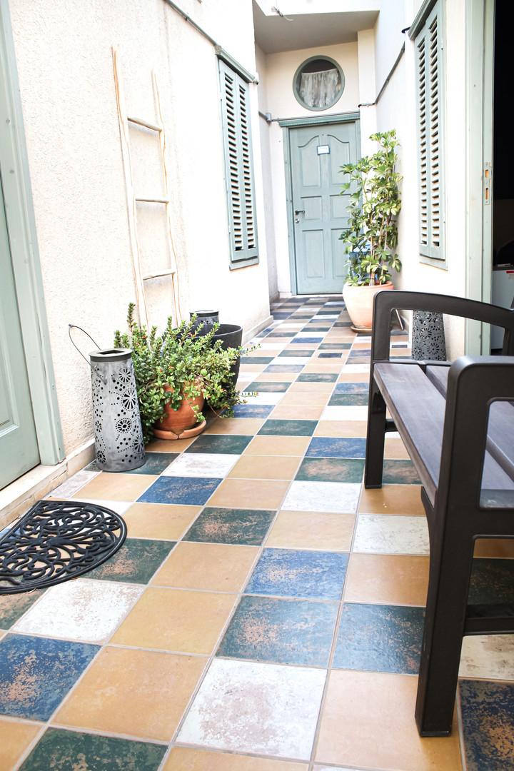 patio open coridor.jpg