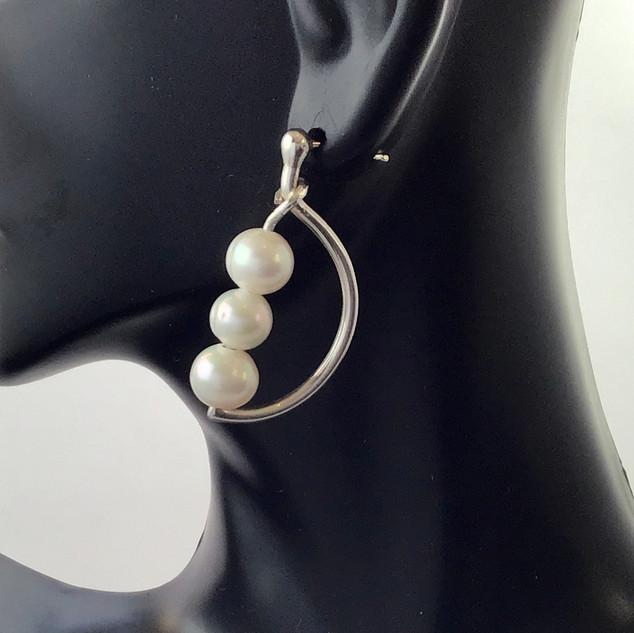 E026 Argentium & Pearl