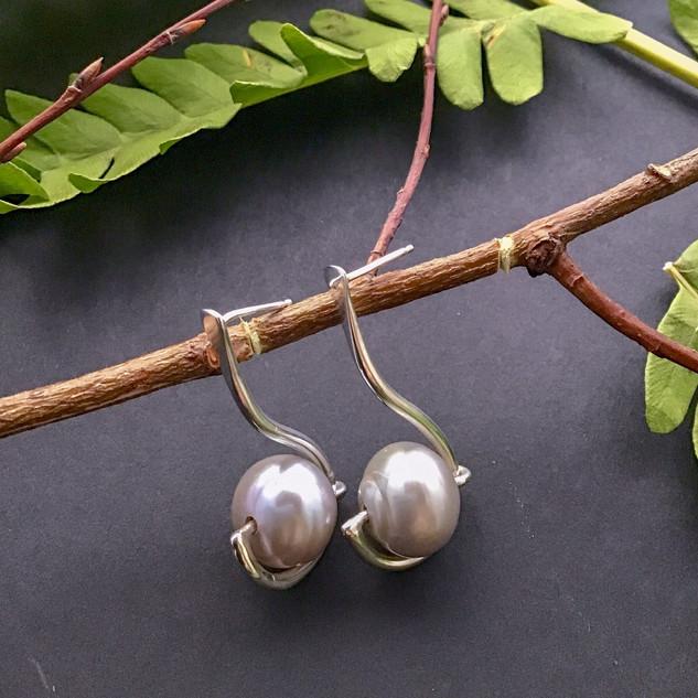 E028 Argentium & Pearl