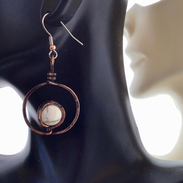 E015 Copper & howlite/ tourqoise