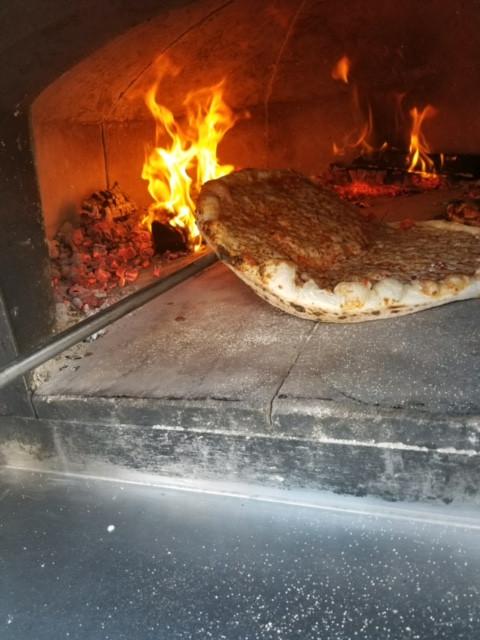 pizza in oven-2.JPG